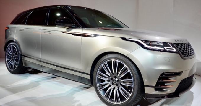 fiancata Range Rover Velar 2018 grigio